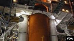 La NASA realizó pruebas en el tanque externo del transbordador que fue dañado durante el huracán Katrina, en 2005