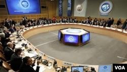 Para menteri keuangan dari seluruh dunia menghadiri pertemuan musim semi Dana Moneter Internasional - Bank Dunia di Washington, DC.