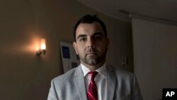 Omar Shakir, umuyobozi wa Human Right Watch muri Isirayeli na Palestina.