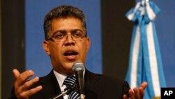 El canciller Elías Jaua se mostró satisfecho con la resolución de UNASUR.