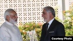 آقای عبدالله در جریان سفرش به هند با شماری از مقامات هندی به شمول نرندرا مودی، صدراعظم آن کشور ملاقات کرد