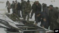 برفباری های سنگین در افغانستان و مشکلات بوجود آمده در شاهراه ها