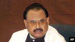 الطاف حسین کی فو ج سے کراچی میں قیام امن کی درخواست