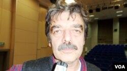 Dr. Ferhat Kentel.