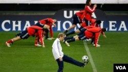 Klinsmann sigue sin conseguir una victoria para su equipo. En dos partidos jugados ha logrado un empate y una derrota.