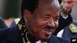 Certains appellent à un nouveau report des élections, arguant que le président Paul Biya a violé le code électoral