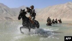 Xitoy askarlari Pomir tog'larida harbiy mashg'ulot o'tkazmoqda, 2020-yil, 28-avgust