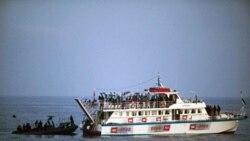 در مه 2010، سربازان اسرائیلی پس از هشدار به کشتی امدادی عازم غزه، وارد آن شدند و به دنبال حمله سرنشینان کشتی با آنان درگیر شدند
