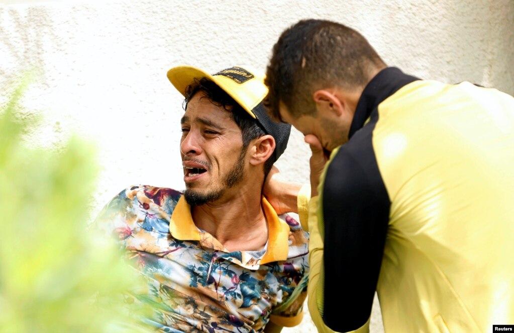 Tunisi tərk etdikdən sonra boğulan miqrantların ailə üzvləri