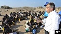 António Guterres, Alto Comissário para os Refugiados num campo de acolhimento imigrantes ilegais etíopes no Iémen
