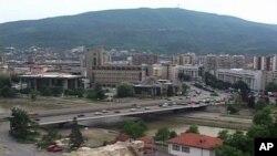 Многу отворени прашања по тројното убиство во Скопје