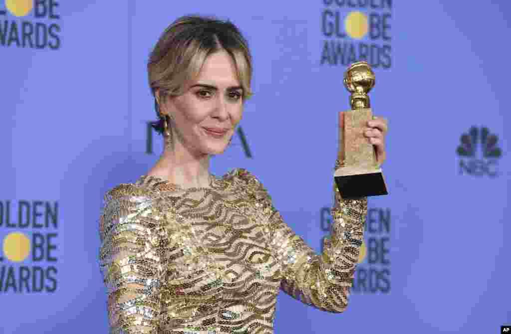 سارہ پالسن کو ٹی وی سیریز دی پیپل وی او جے سمپسن کے زمرے میں بہترین اداکارہ کا ایوارڈ دیا گیا۔