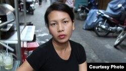 អ្នកស្រី Anida Yoeu Ali ជាសិល្បៈករខ្មែរអាមេរិកាំង ដែលបានឈ្នះពានរង្វាន់ដ៏ល្បីល្បាញនៅតំបន់អាស៊ីឈ្មោះ Sovereign Asian Art Prize លើកទី១១។ (រូបថតដោយ៖ Studio Revolt)