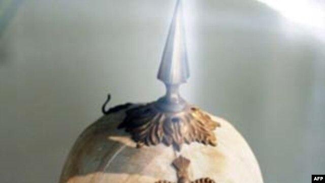 Chiếc mũ cối (thời Đệ nhị Đế chế Pháp) là một hình tượng đại diện cho chủ nghĩa thực dân