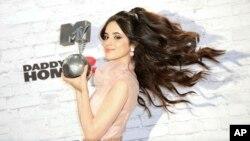 Top 5 Billboard: Latin pop lên ngôi thống trị