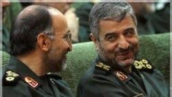 در اين عکس معاون کل ستاد نیروهای مسلح ایران در کنار سرلشکر محمد علی جعفری فرمانده سپاه ديده می شود