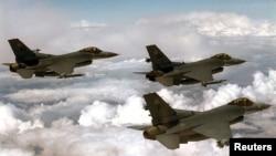 Chiến đấu cơ F-16 của Hoa Kỳ.