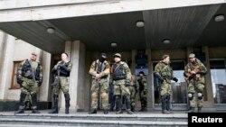 星期一,親俄示威者又佔領了戈爾洛夫卡的政府樓。