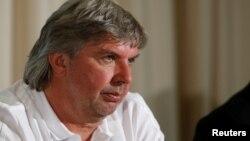 德国足协副主席罗尼·齐默曼在一次记者会上讲话。(资料照片)