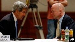 Джон Керрі і Вільям Гейґ в Йорданії 22 травня, 2013 р.