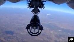 俄罗斯飞机在叙利亚上空投弹。