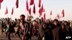 Une procession des musulmans chiites dans le village de Dakasoye, à Kano, le nord du Nigeria, 27 novembre, 2015