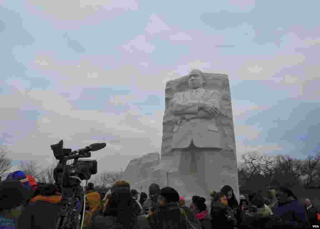 У монумента Мартину Лютеру Кингу