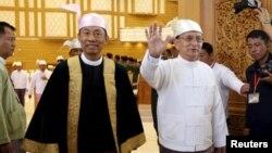 Tổng thống Myanmar Thein Sein và ông Shwe Mann tại Naypyitaw, ngày 28 Tháng 1, 2016.
