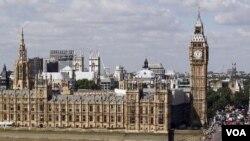 Parlemen Inggris mendesak pemerintahnya untuk memperjelas definisi penggunaan senjata menghadapi pembajak (Foto: ilustrasi).