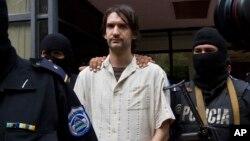 Polisi Nikaragua menangkap Eric Toth, warga AS yang dituduh memproduksi pornografi anak-anak di kota Esteli dekat perbatasan Honduras (10/4).