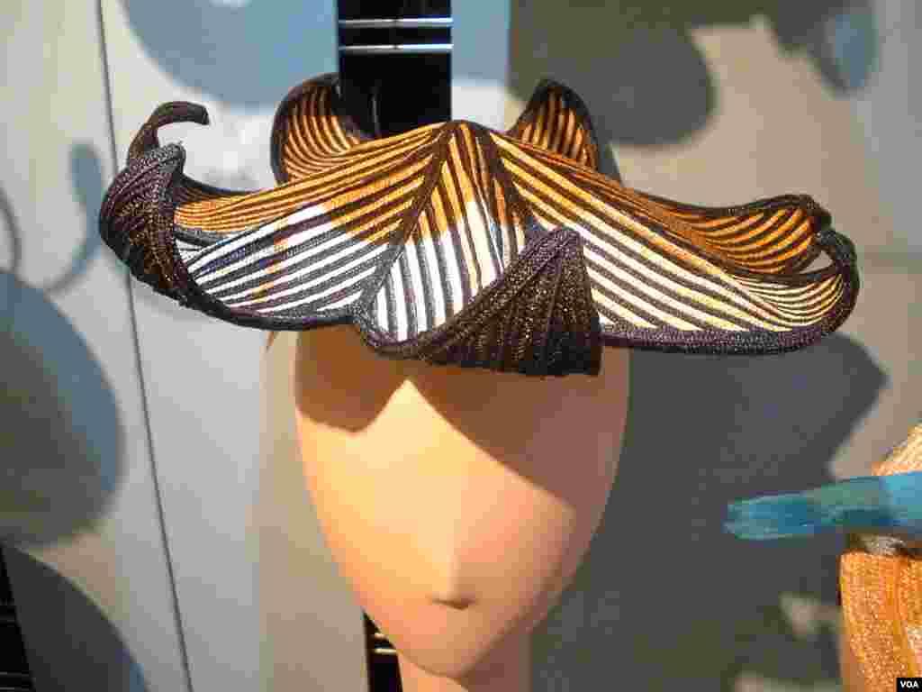 Umjetnost odjevnih predmeta Ignatiusa Creegana i Roda Givensa