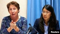 Bà Francoise Saulnier, cố vấn pháp lý của Hội Y Sĩ Không Biên Giới, và bà Joanne Liu, Chủ tịch MSF, trong một cuộc họp báo ở Geneva, Thụy Sĩ, ngày 07/10/2015.