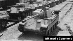 "Танк ""Пантера"" бронетанковых войск нацистской Германии. Wikimedia Commons. 1943. Author Unknown"