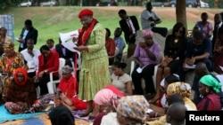 Obiageli Ezekwesili, tsohowar Ministar Ilimi na jawabi akan 'yan matan da aka sace, a Abuja, Najeriya.
