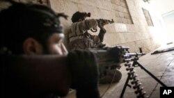 Borci Slobodne sirijske armije u akciji u gradu Alepo