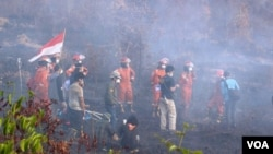 Seluruh pihak bekerja sama memadamkan kebakaran hutan dan lahan di Kalimantan Tengah. (Foto courtesy: SOB))