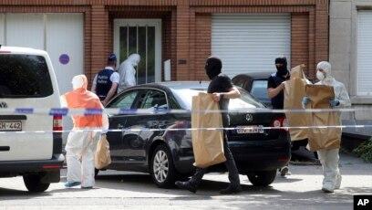 Quatre Arrestations Des Armes Decouvertes Apres Des Perquisitions Antiterroristes A Bruxelles