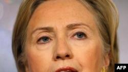 Bà Clinton là Ngoại trưởng Mỹ đầu tiên đến thăm quốc gia Thái bình dương này từ năm 1998