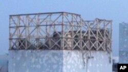 核電站反應堆的外壁在星期六的爆炸中毀壞