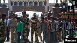 بھارتی ماہی گیر رہائی کے بعد واہگہ بارڈر سے بھارت بھیجے جا رہے ہیں (فائل فوٹو)