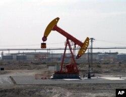 新疆采油设备 中国西北缺水