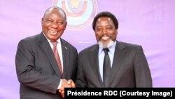 Le président sud-africain Cyril Ramaphosa et son homologue congolais Joseph Kabila, Kinshasa, RDC, le 9 août 2018.
