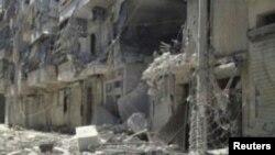 ເຮືອນຊານບ້ານຊ່ອງທີ່ຖືກທໍາລາຍ ໃນຄຸ້ມ Salahedinne ຢູ່ໃນຕົວເມືອງໃຫຍ່ Aleppo ຂອງຊີເຣຍF ວັນທີ 3 ສິງຫາ 2012.