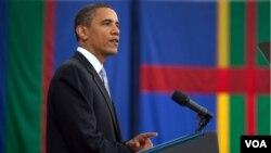 Presiden AS Barack Obama saat menyampaikan pidato di Carnegie Mellon University pada hari Kamis siang. Gedung Putih mengumumkan pembatalan kunjungan Obama ke Indonesia sesaat setelah tengah malam.