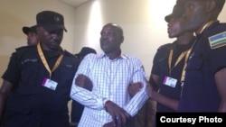 Ladislas Ntaganzwa agejejwe ku kibuga cy'indege i Kigali