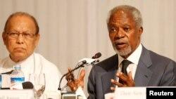 Kofi Annan, Ketua Komisi PBB untuk Rakhine, memberikan penjelasan kepada media di Yangon, Myanmar, Kamis (24/8).