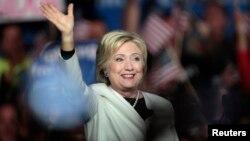 Hillary Clinton parece enfocada ya en la elección general.