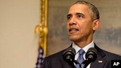 ປະທານາທິບໍດີ Barack Obama ກ່າວຕໍ່ຄະນະບໍລິຫານ ທີ່ທຳນຽບຂາວ ໃນນະຄອນຫລວງວໍຊິງຕັນ ເມື່ອທີ 12 ທັນວາ 2015.