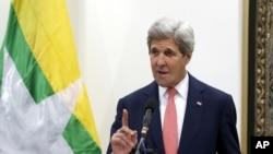 2016年5月22日,美國國務卿克里在緬甸的記者會上講話。