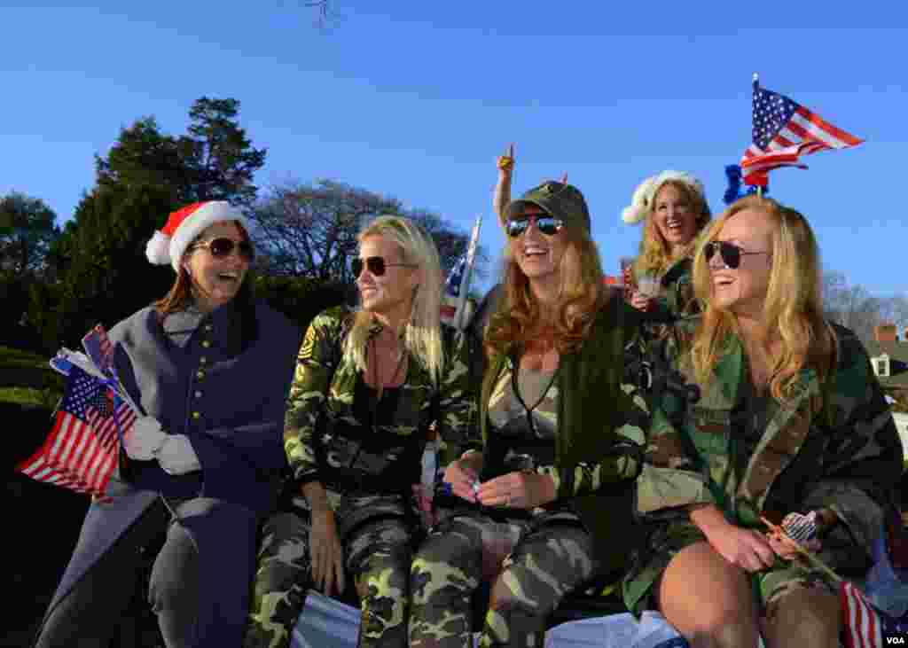 Группа поддержки армии – участницы парада